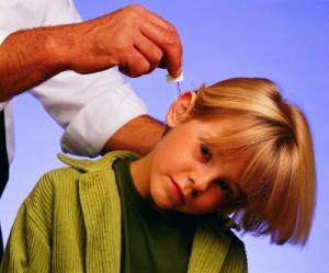 остра болка в ухото причини