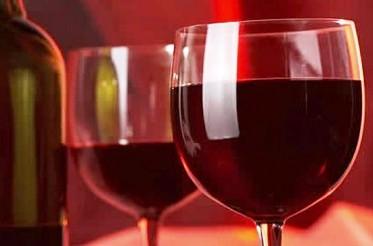 Чаша червено вина лекува 100 болести