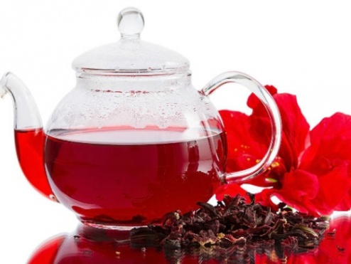 Чай от каркаде чисти токсините и сваля високо кръвно налягане