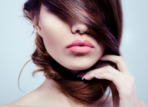 Нова революционна технология връща силата и блясъка на увредената коса