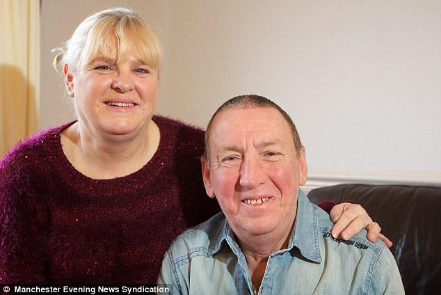 След като са били изчерпани всички възможни лечения за левкемия, лекарите му предложили трансплантация на стволови клетки.