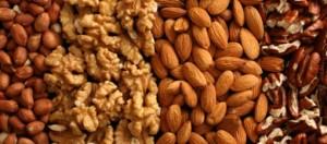 Рискът от смърт от различни болести се намалява с яденето на ядки