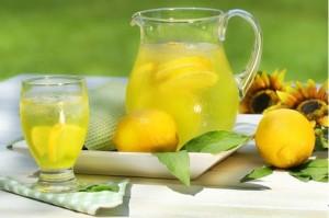 Пиенето на лимонов сок ефективно изчиства вашите кръвоносни съдове