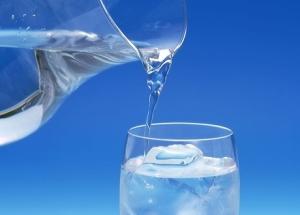 Пиенето на вода е важно за състоянието на нашата кръв