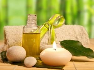 Маската за коса с рициново масло е полезна за нейното подхранване