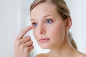 Една от причините за възникване на зачервено око е алергията