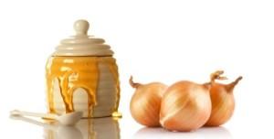 Сок от лук и мед чисти кръвоносните съдове и подобрява мозъчната функция