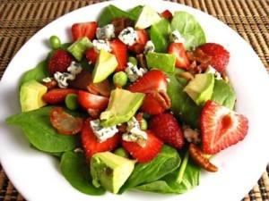 За отслабване може да използвате плодова салата от авокадо, главно за вечеря