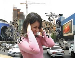 Пазете се от силния шум, той може да предизвика шум или пищене в ушите