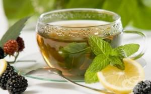 Пийте чай от мента против болки в стомаха