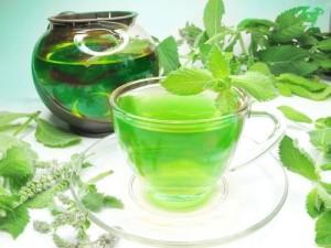 Билков чай за отслабване с водорасли