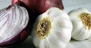 При болки в гърлото – чесън и лук