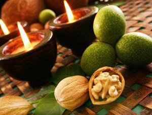 Зелените орехи се използват за базедова болест на сироп